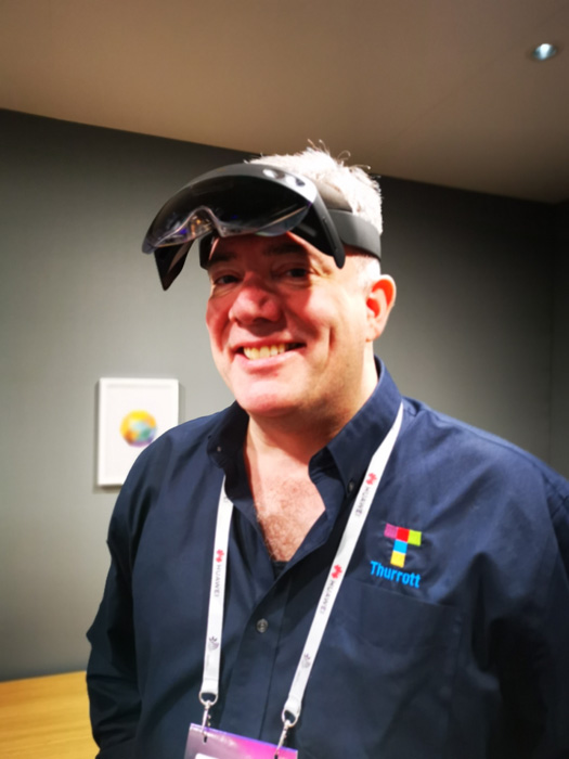 Hands-On with HoloLens 2 - Thurrott com