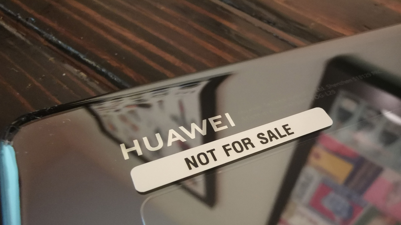 Report: Google Suspends Business with Huawei - Thurrott.com